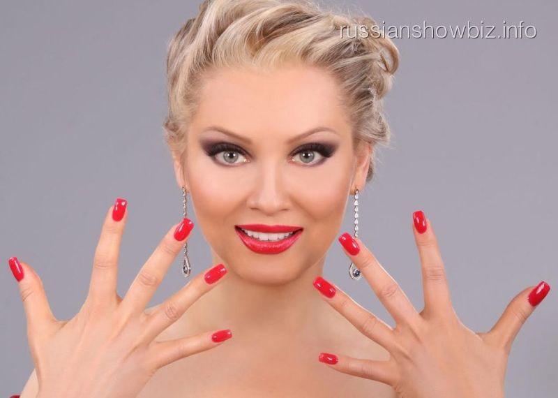 Лена Ленина рассказала о жертвах маникюра в шоу-бизнесе