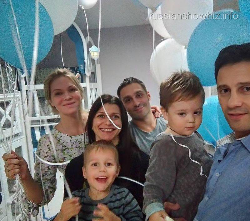 Антон Макарский отпраздновал новоселье