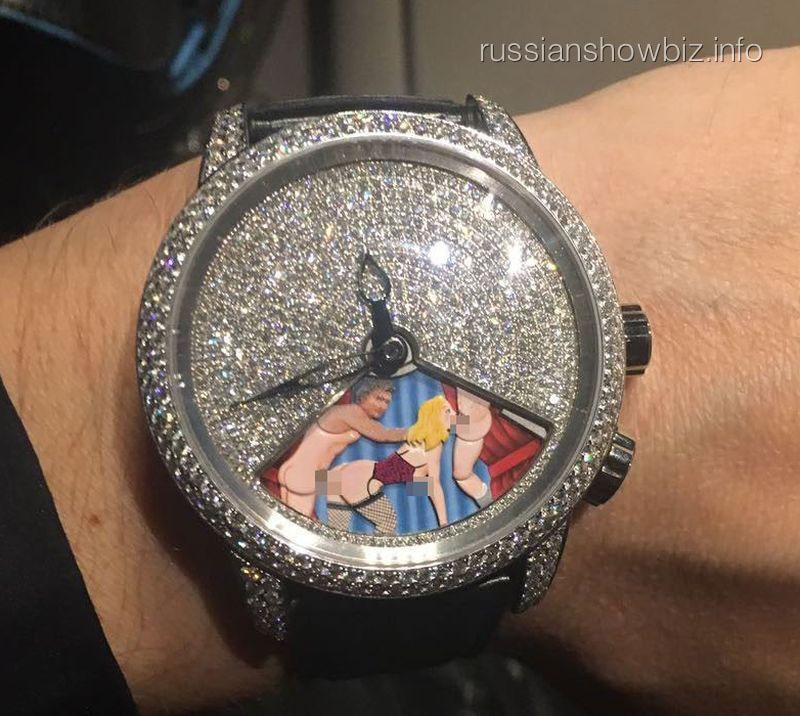 Николай Басков на циферблате часов (фото - LIFE)
