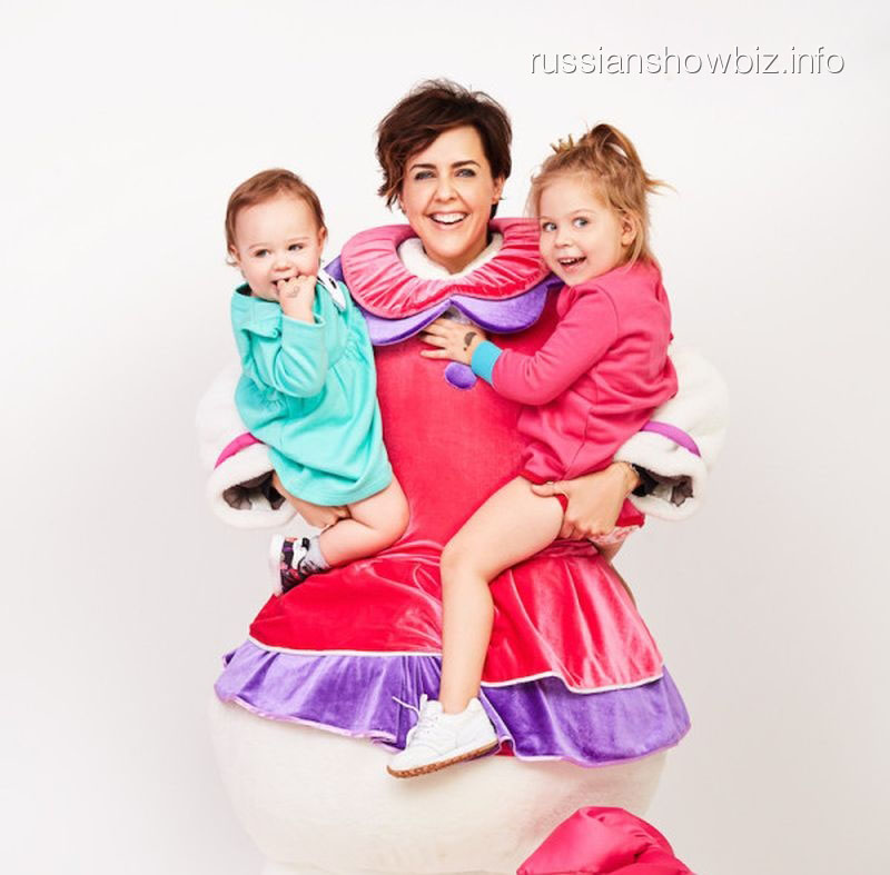 Ольга Шелест с дочерями