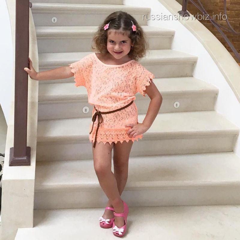 Дочь певицы Жасмин