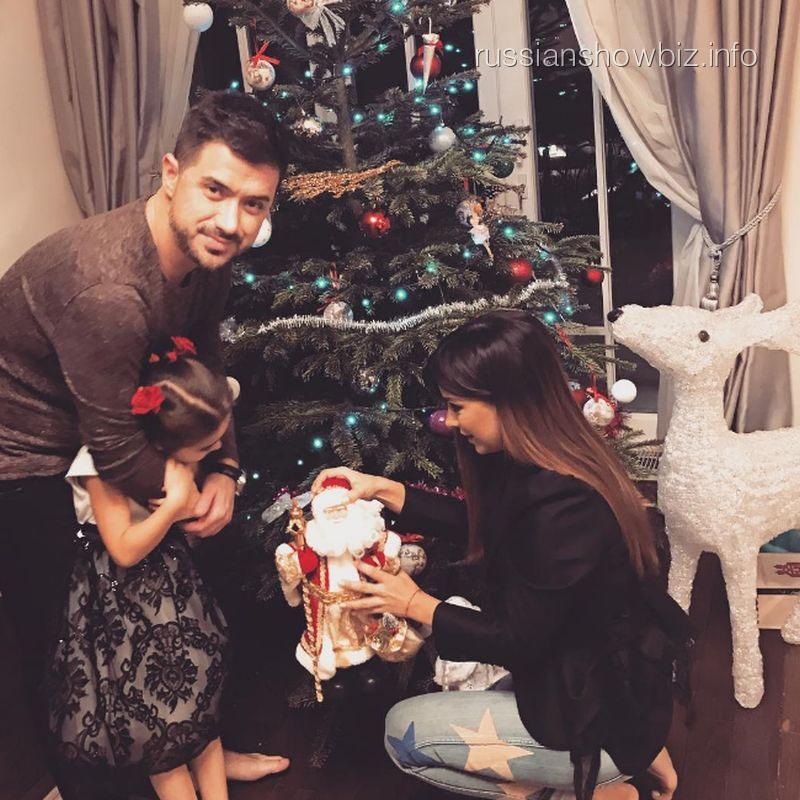 Ани Лорак с семьей