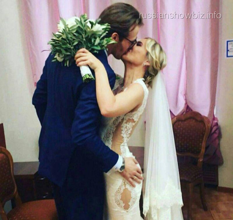 В сеть попало фото свадьбы Пелагеи