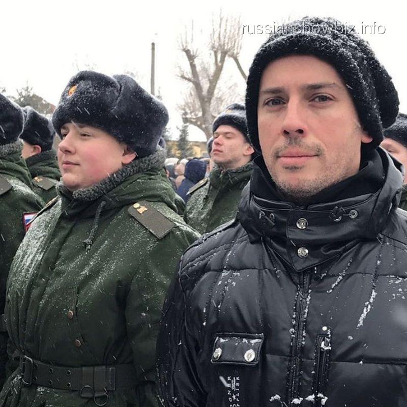 Известный телевизионный ведущий Максим Галкин приехал вВоронежскую область наприсягу кплемяннику