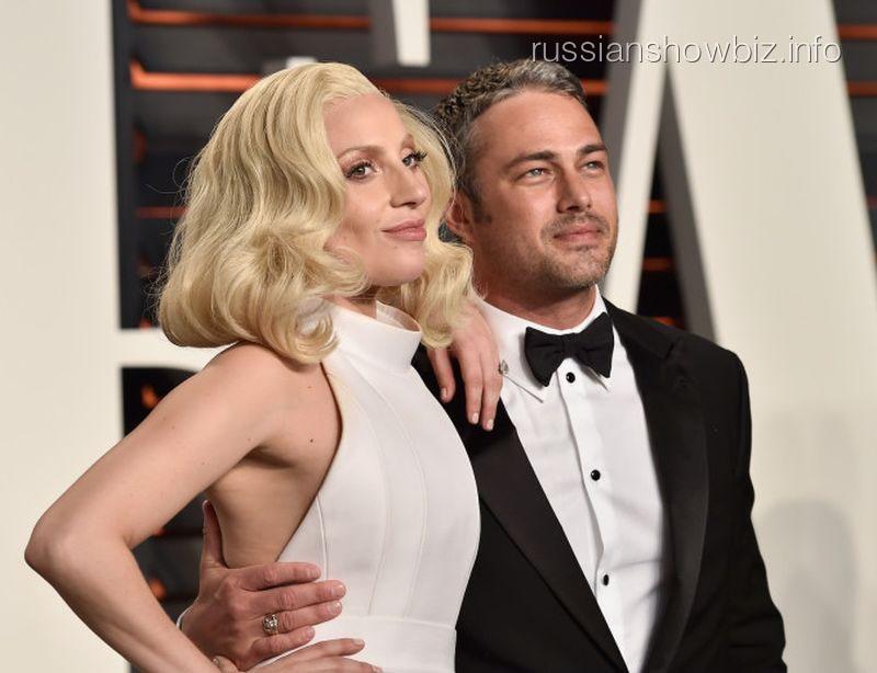 Леди Гага и Тейлор Кинни