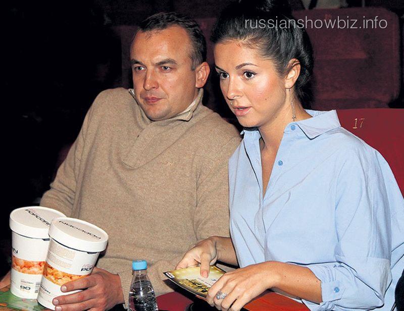 Нюша с возлюбленным (фото - Экспресс-газета)