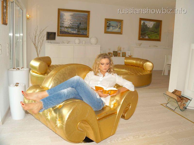 Лена Ленина показала свой французский дом