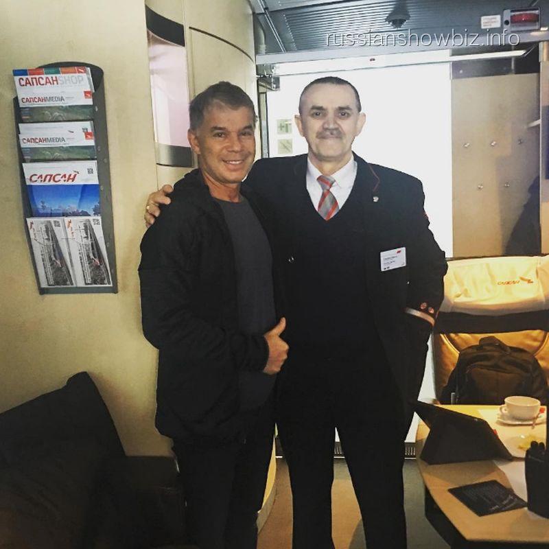 Олег Газманов с поклонником