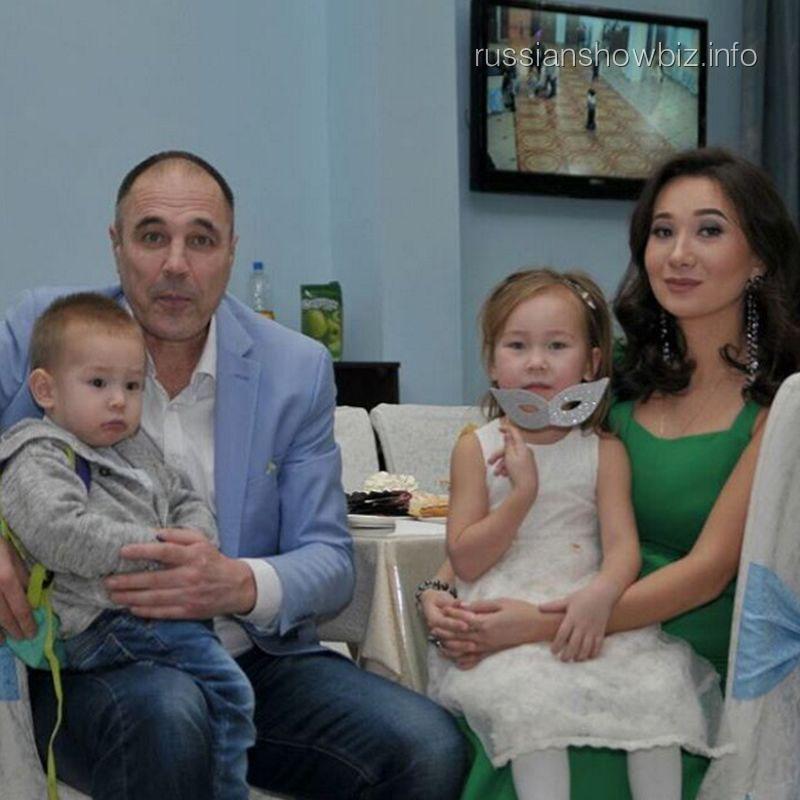 Дмитрий Соколов с семьей