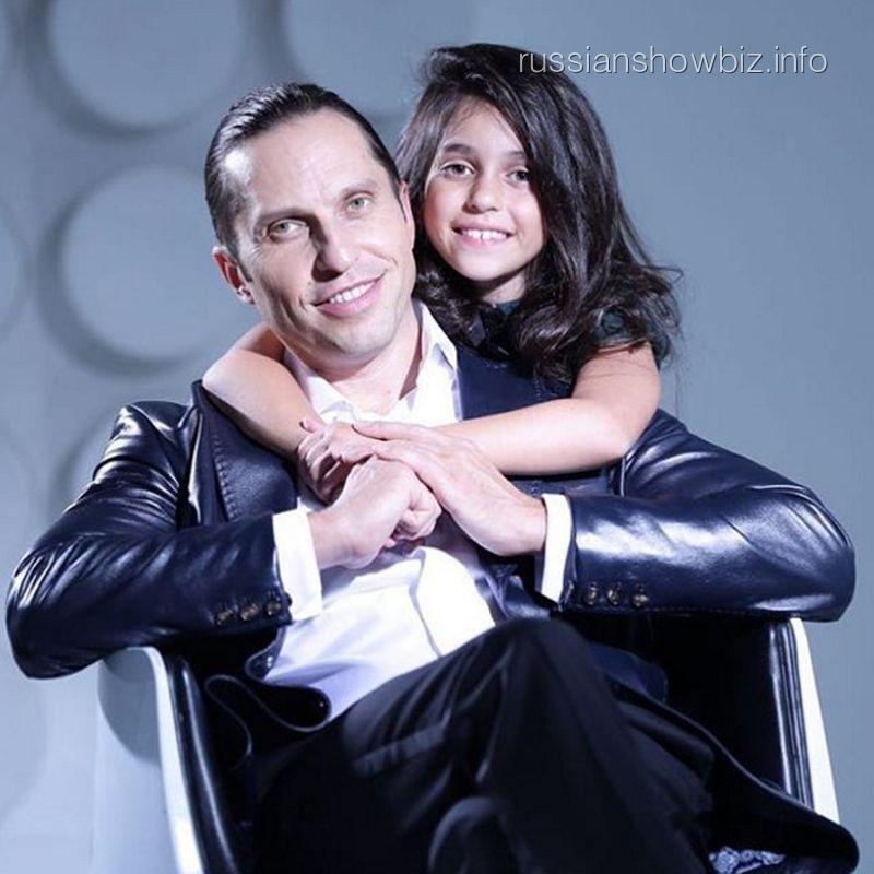 Александр Ревва с дочерью