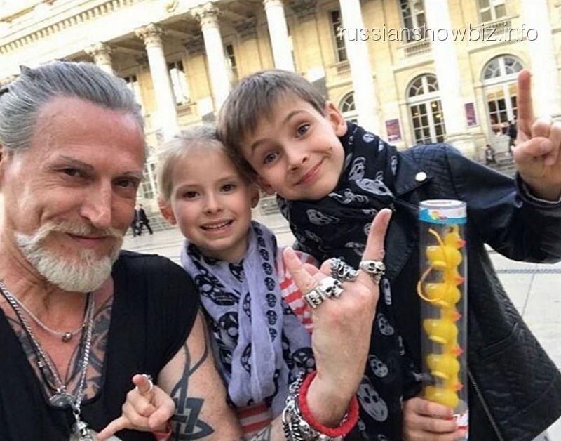 Никита Джигурда с детьми