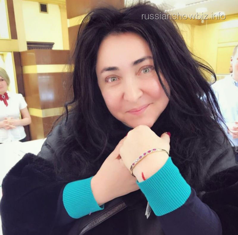 «Первый канал» извинился перед Лолитой Милявской