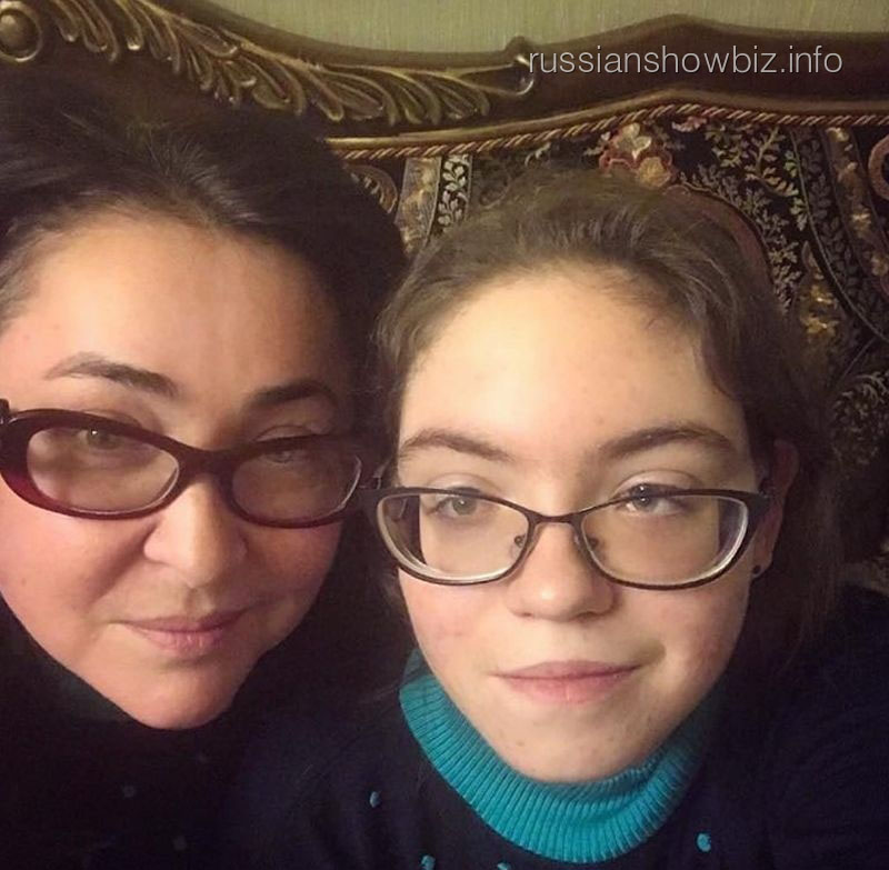 Лолита Милявская прокомментировала слухи об аутизме дочери