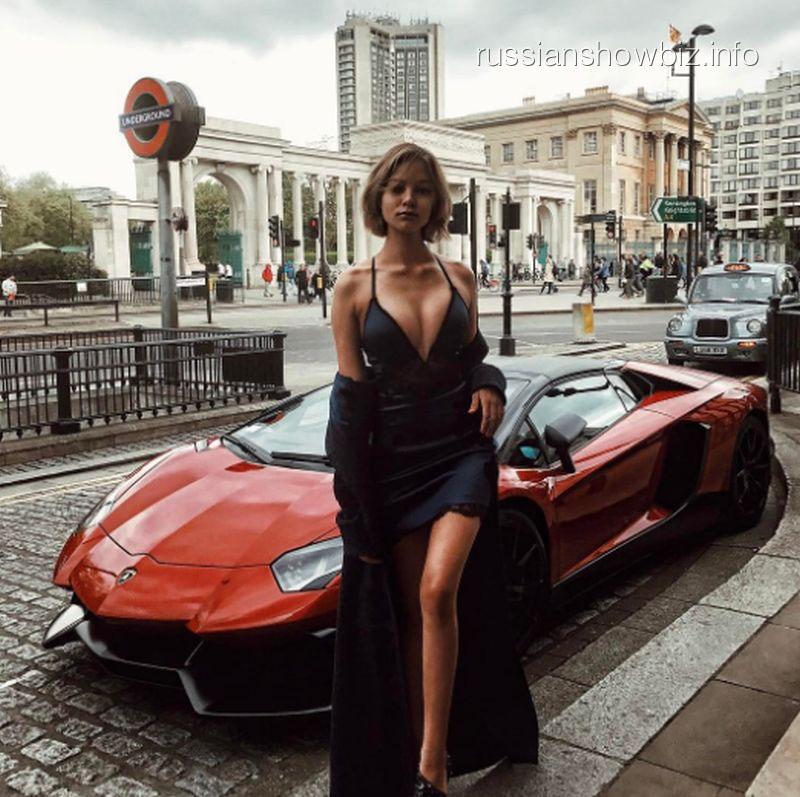 Алеся Кафельникова шокировала новой грудью