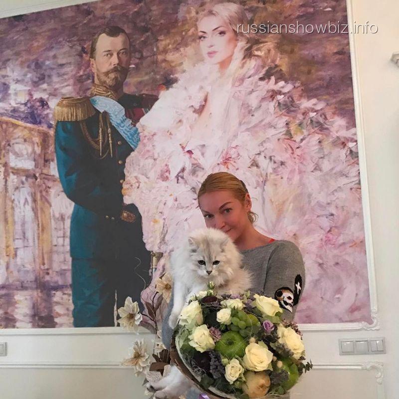Анастасия Волочкова погрязла в долгах