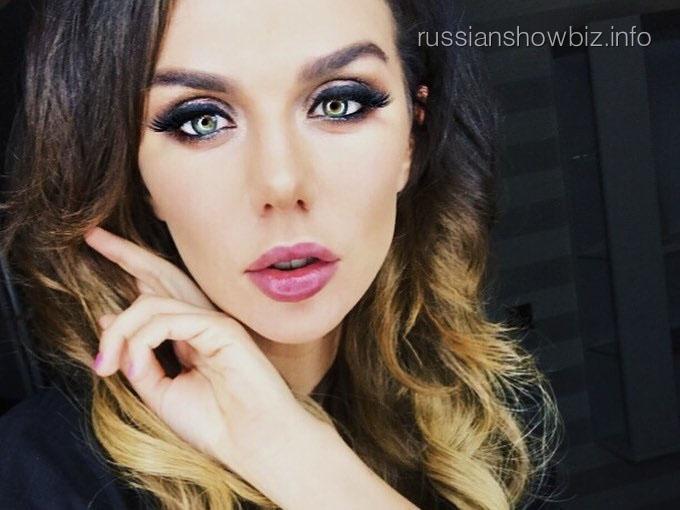 Анна Седокова напишет книгу