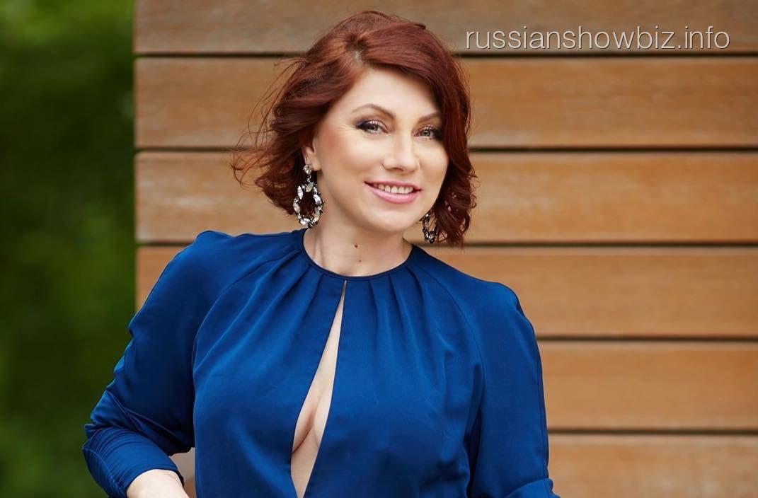Роза Сябитова показала грудь