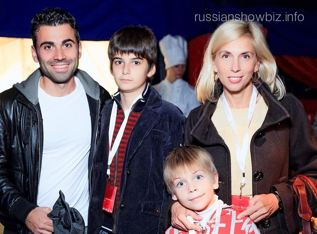 Свиридова с семьей