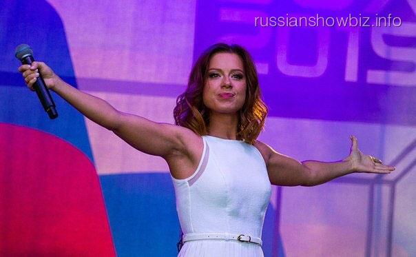 Юлия Савичева откровенно рассказала о возвращении на сцену
