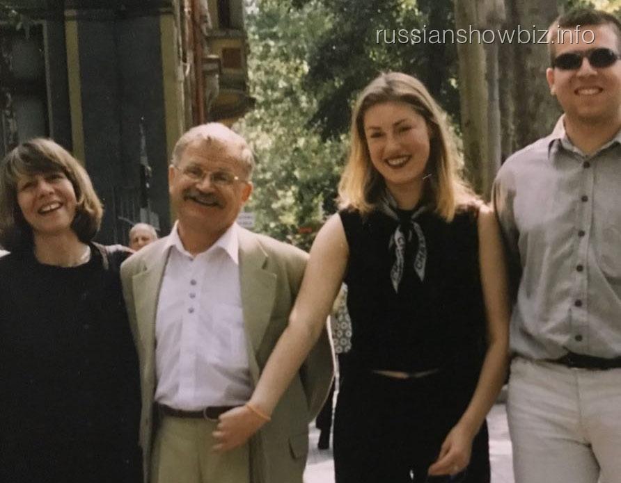 Мария Шукшина с друзьями