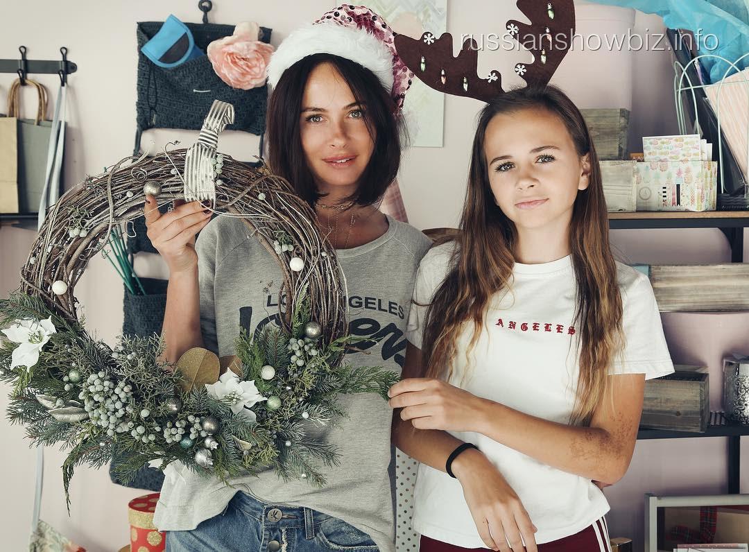 Саша Зверева с дочерью