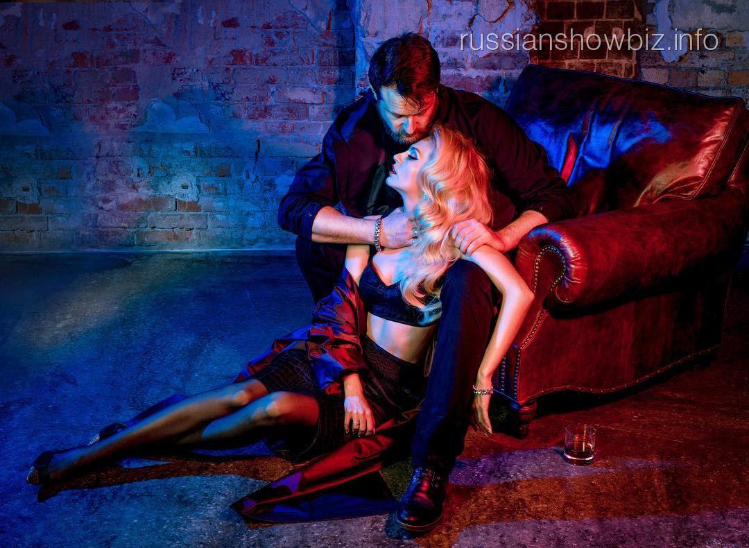 Саша Савельева показала эротическую фотосессию