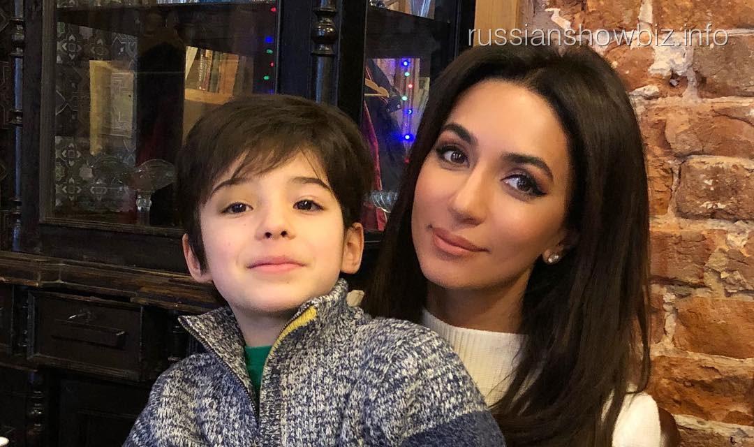 Зара с сыном Барановской