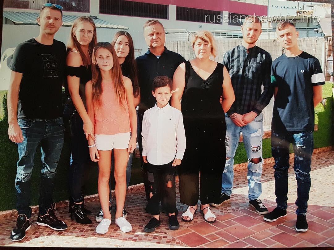 Наталья Краско с семьей