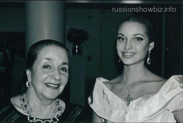 Анастасия Волочкова с наставницей