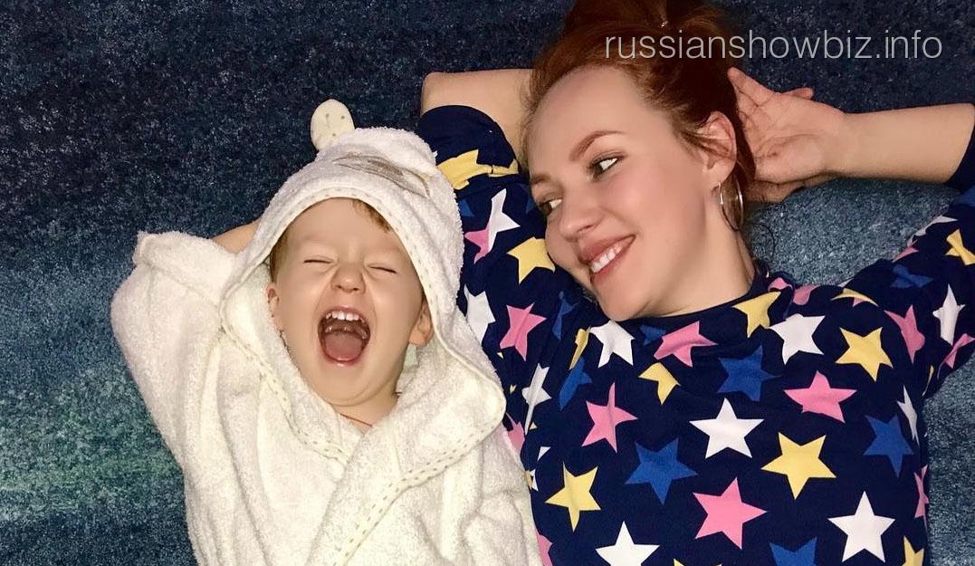 Галина Боб с ребенком