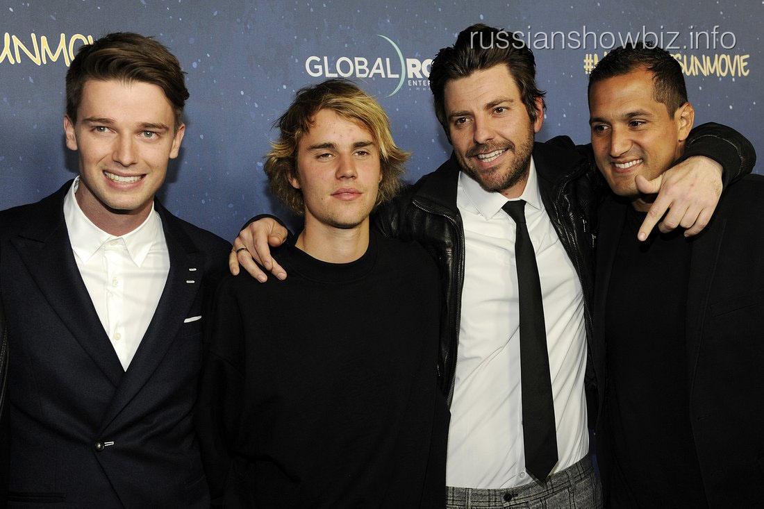 Джастин Бибер с друзьями