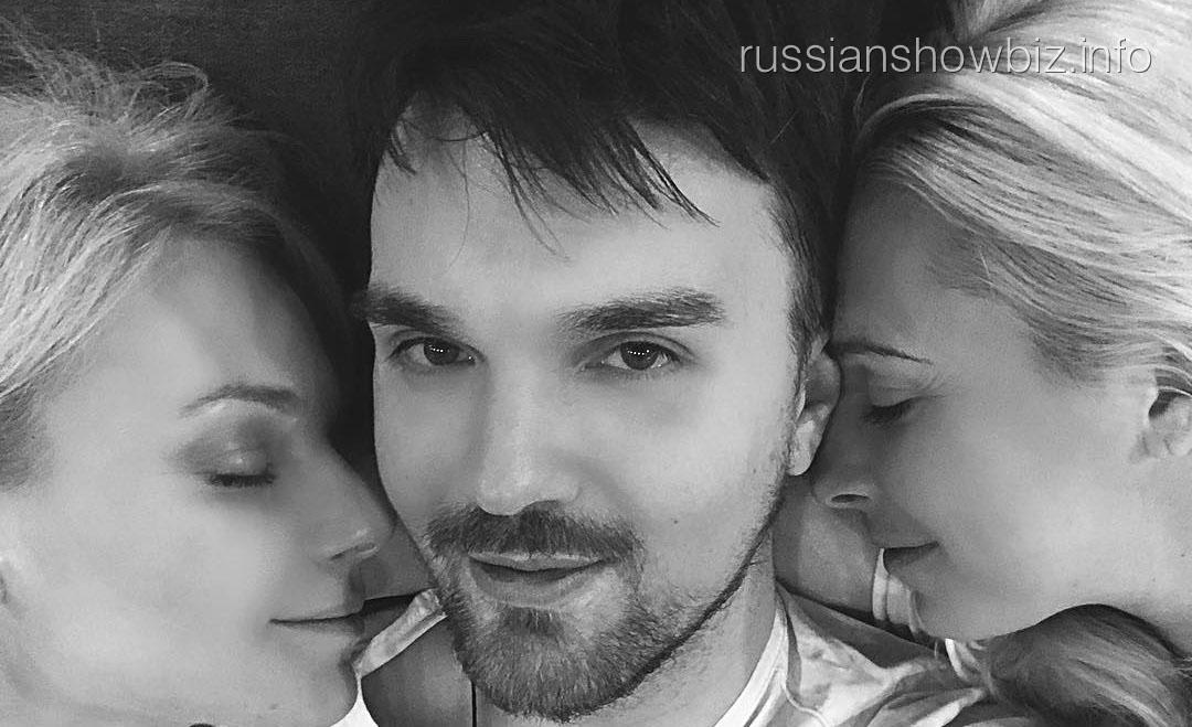 Александр Панайотов с одногруппницами