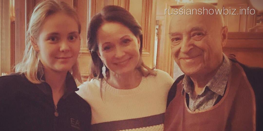 Ольга Кабо поздравила Владимира Этуша