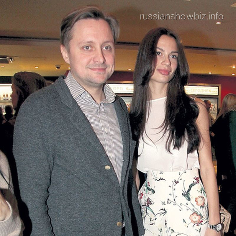 Артем Михалков с возлюбленной Полиной (фото - ЭГ)